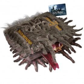Harry Potter peluche Collectors Le livre des Monstres 30 x 36 cm