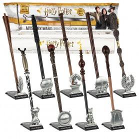 Harry Potter série The Professor présentoir répliques baguettes 30 cm Mystery Box (9)
